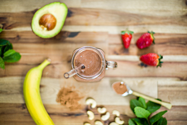 Craft Smoothie with healthy fats and berries
