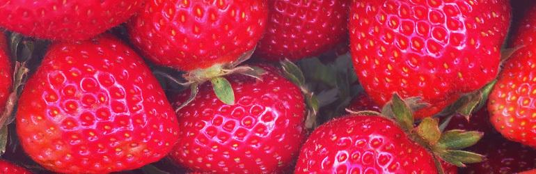 Healthy strawberry smoothie recipes header craft smoothie